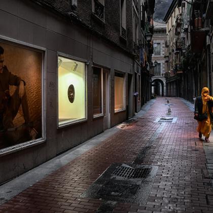 """""""La soledad del inmigrante"""". Autor: Jose Angel Amuchástegui. Concurso de fotografia """"Mirando la Soledad"""" MatiaZaleak"""